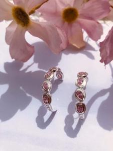 Smukke HOLLIE HOOPS. Sterling sølv 925 med mellem store Zirconia i farven Flower Pink