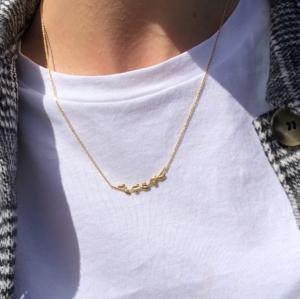 Meget populær OLIVIA halskæde i sterling sølv 925, 18 karat forgyldt med 6 små blade og 3 zirconia