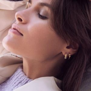 Smukke øreringe fra Enamel Copenhagen.