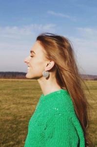 Skab dit eget personlige look med disse flotte øreringe.Klik her og se mere.