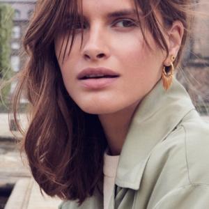 Smukke Ada øreringe, giver en skøn detalje til dit outfit.