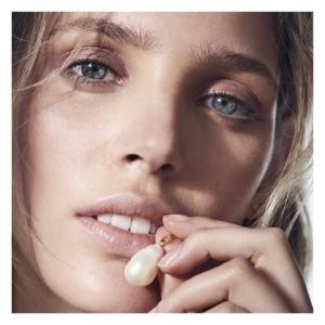 Forelsk dig i denne elegante halskæde med barok perle.Klik her og se mere.